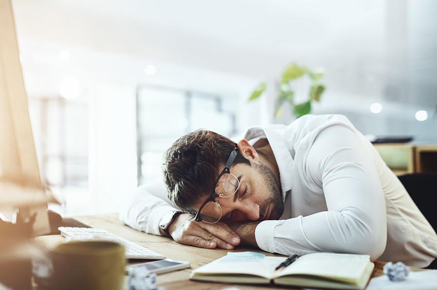 Covid-19 dá sono? Entenda se a sonolência está inserida entre os sintomas do novo coronavírus.